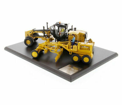 Diecast Masters 1/50 Scale Excavator Yellow Alloy Cars Models Trucks 85560 Toys