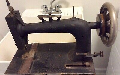 "Antique Hand Crank ""New Home"" Cast Iron Sewing Machine Late 1800's"