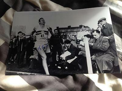 Sir Roger Bannister Hand Signed 12 X 8 Photo 4 Four Minute Mile With Runner Coa