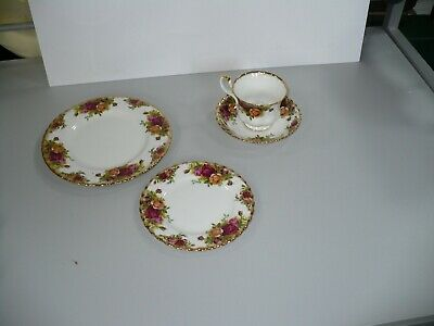 """Royal Albert 'Old Country Roses'  Tea Cup, Saucer, 6"""" & 8"""" Plate ~ Vintage"""