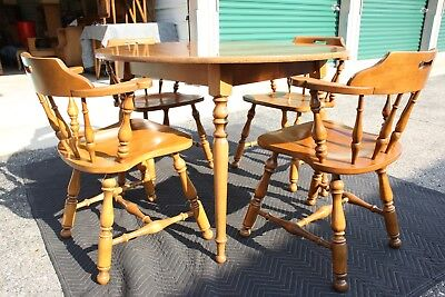 Vintage Ethan Allen Solid Wood Round Dining Table With 4