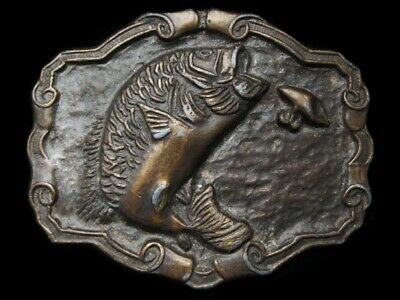 LG15135 VINTAGE 1970s **LARGE MOUTH BASS JUMPING FOR LURE** FISHING BELT BUCKLE