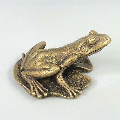 Chinese Rare Collectible Old Brass Handwork Lifelike Frog & Leaf Antique Statue