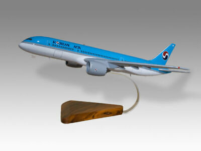 Boeing 737-300 Nauru Airlines Solid Dried Mahogany Wood Handmade Desktop Model Models Aeronautica
