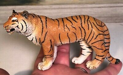 "Bengal Tiger Figurine Safari 2005 Collectible PVC 5.75x3"" Toy Action Figure"