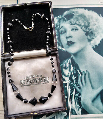 ANTIQUE VINTAGE ART DECO 1920s 30s FRENCH JET BLACK & WHITE GLASS BEADS NECKLACE