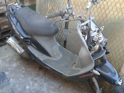 SYM JET 50 & 100 scooter . 1998-2006 . HANDLEBARS .  breaking, most parts avail