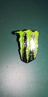 Tres Joli Pin's Monster Energy 3*2 Cm // Neuf