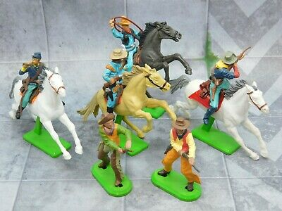 COWBOYS and US CAVALRY 2 Foot 4 Mounted from 1971 Britains 61689