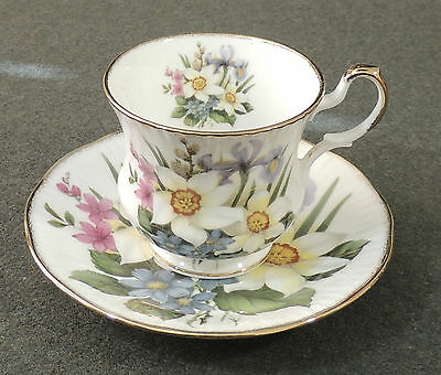 Queen's Crownford England Fine Bone China Tea Cup & Saucer New