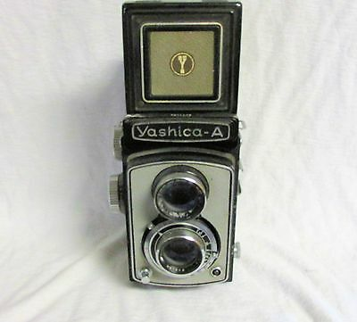 VINTAGE 1950s YASHICA A CAMERA WHITE PLEASE READ