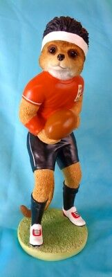 "COUNTRY ARTISTS ""MAGNIFICENT MEERCATS"" large figure ""EDDIE"" RUGBY PLAYER CA04528"