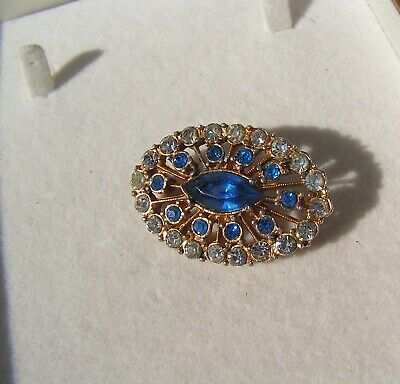 Lovely Vintage Art Deco Sparkly Blue Sapphire Glass & Clear Rhinestone Brooc
