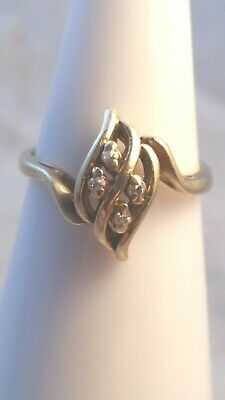 Vintage 14k solid gold small tiny diamonds modernist ring