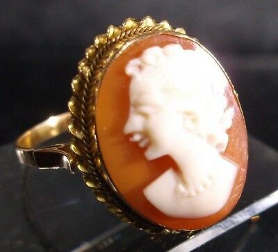 Vintage 18K Yellow Gold Cameo Ring w/Twisted Edge