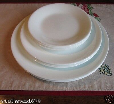 CoReLLe  LOT 11  Dinner Luncheon Bread & Butter PLATES White FROST