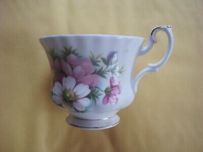 Royal Albert Flower Of The Month. Tea Cup October Cosmos