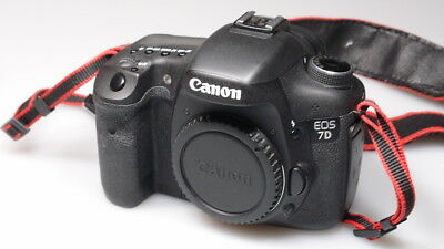 Canon EOS 7D 18.0MP Digital SLR Camera - Black (Body Only) excellent