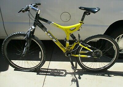 40a18fbae8c GT i DRIVE 4.0 MOUNTAIN BIKE 52CM FRAME FULL FOX SHOCKS SHIMANO GEARS GT  8061