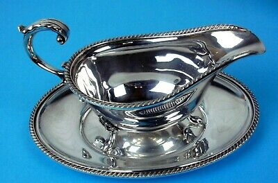 Stylish 3 Foot Silver Plate Gravy Sauce Boat & Matching Tray Made In England