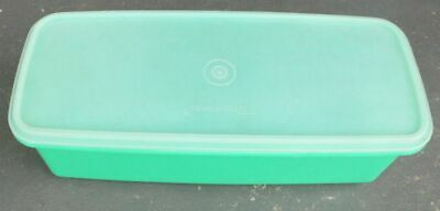 TUPPERWARE CELERY & Vegie CONTAINER LARGE  no longer made VINTAGE ex cond CARROT