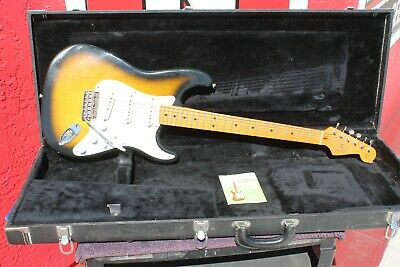 1986 FENDER STRATOCASTER '57 Reissue with tremelo - W/CASE on