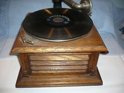 RARE SYMPHONY  united talking machine company chicago table top phonograph