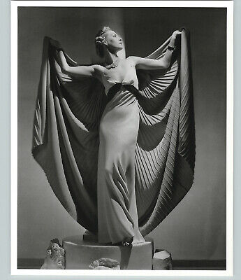 1936 1992  Helen Bennett French Vogue Large Art Photo By Horst 16X20