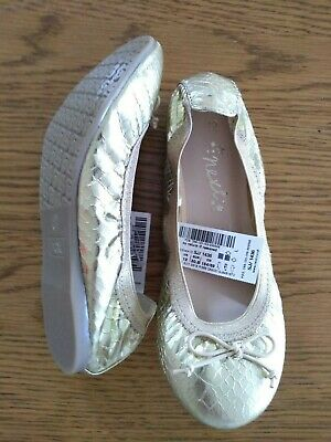 BNWT girls gold ballet style shoes. NEXT. RRP £14.  Sz 12         3/2