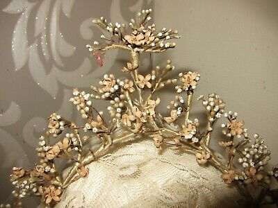 c.1880 Antique French Waxed Blossom Wedding Couronne
