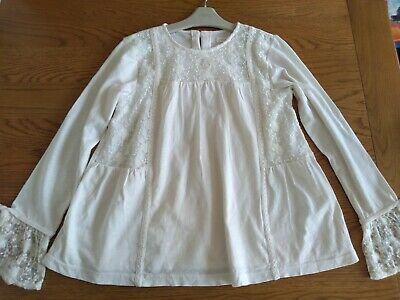 BNWT girls Next top. Lacy detail. 11 years       3/4