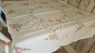 Vintage Hand Embroidered Tablecloth Irish Linen daisies &French knots tea party
