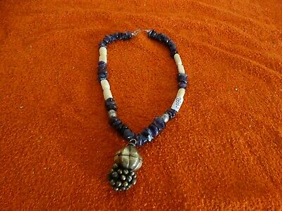 ancien collier tribal