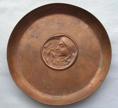 SMALL SIGNED Hand Crafted ART NOUVEAU Copper DISH Joseph Sankey & Son REPOUSSE