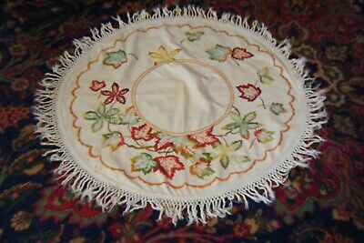 Ant. Vtg Ecru Linen Arts & Crafts Embroidered Oval Round Table Cover Doily