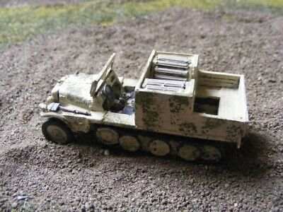 MGM 080-044 1//72 Resin WWII German SDKFZ 135//2 w// 10.5cm LeFH 18.2-Design Becker