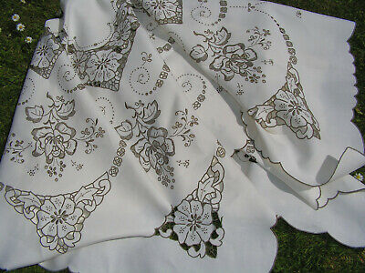 Bful Lge Vtg Madeira Richly Hand Emroidered Lush Cutork Flower Lace Tablecloth