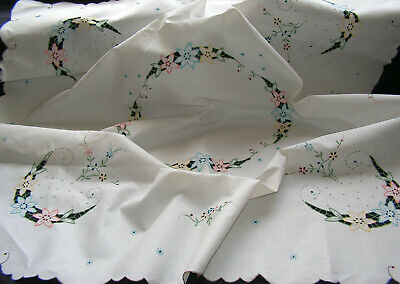 B'ful Vtg Lge Madeira Richly Hand Embroidered  Cutwork Flower Linen Tablecloth