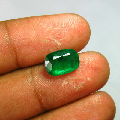 """3.88 Ct """"Certified"""" Natural Emerald Good Green """"Vs-2"""" Luster Cushion - Zambia"""