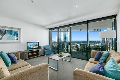 Gold Coast Accommodation Circle on Cavil - 3 Bedroom Ocean View Apartment