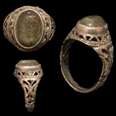 Stunning Top Quality Post Medieval Ring (4)
