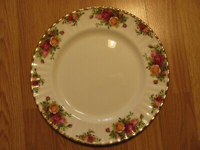 Royal Albert fine bone china  Old Country Roses dinner plate  10 3/8""