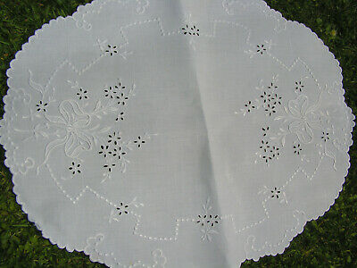 Bful Antique Fine White Irish Linen Hand Embroidered Floaty Bow & Flower Sm Clot