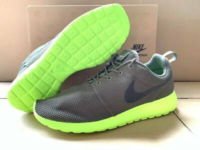 save off fd77a 98aed Nike ROSHE RUN ROSHERUN TARP OLIVE GREEN SMOKE VOLT NEON 511881-307 US Men  11