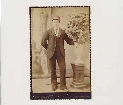 1890 Vint. Cabinet Card Occupational Baggage Man Lettered Cap Cape Girardeau Mo.