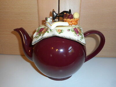 Royal Albert Old Country Roses Sewing & Knitting Table Cardew Betty Teapot
