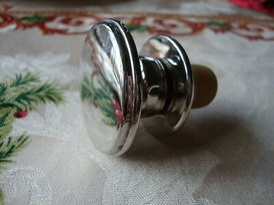Modern Silver Plate on Copper Wine Stopper w/ Rubber Seal silver plated  Classic