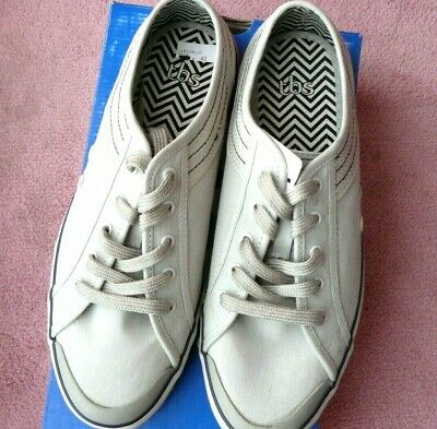 Chaussure Neuf Gris Clair  Tbs  Taille 42