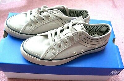 Chaussure Neuf Gris Clair  Tbs  Taille 35