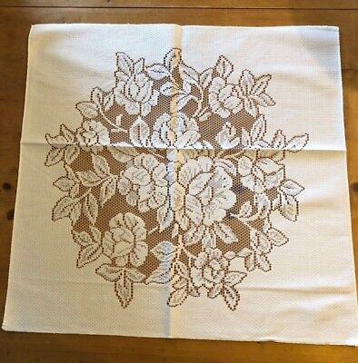 BRAND NEW SQUARE WHITE 50cm x 50cm MADE IN HUNGARY 100% POLYESTER PLACEMAT